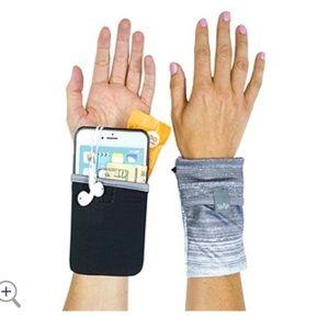 Sprigs Phone Wrist Wallet Grey